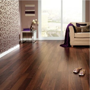 cleaning-wood-laminate-floor