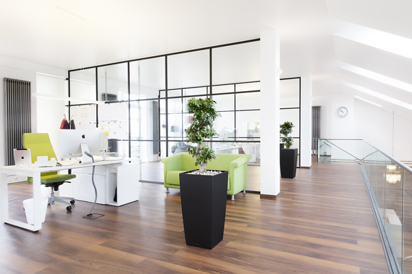 Modern office design london local services for Modern office designs photos
