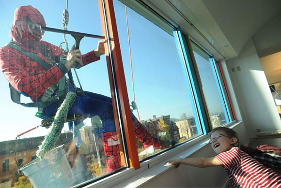 superhero-window-washer