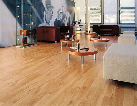 Thoroughly cleaned laminate flooring