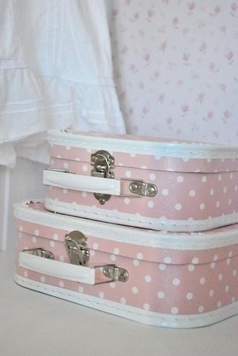 clean-suitcases