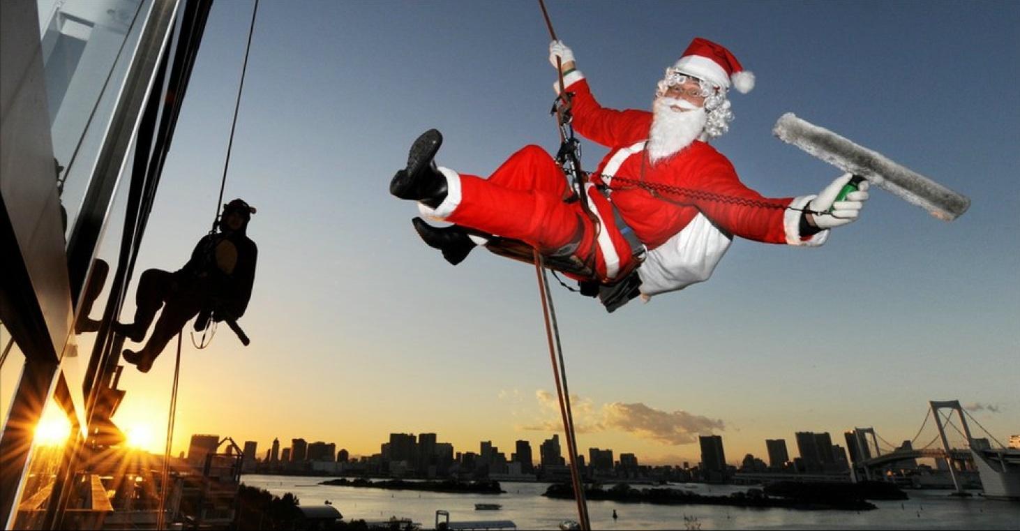 Santa Cleaning Windows